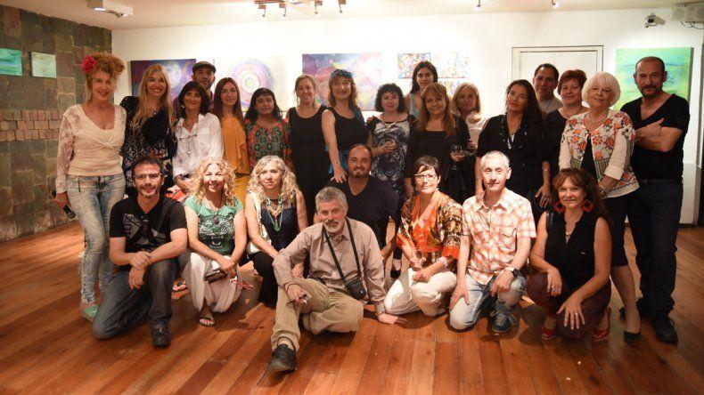 Artistas de la región estuvieron presentes en la inauguración de la muestra.