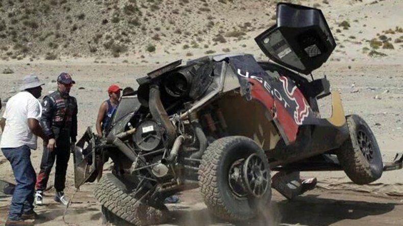 Al-Attiyah gana, Loeb vuelca y ahora Peterhansel manda en el Dakar