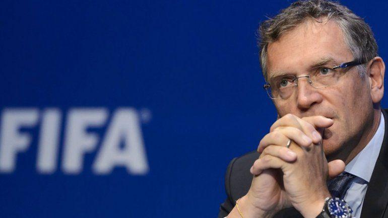 Despidieron al secretario general de la FIFA