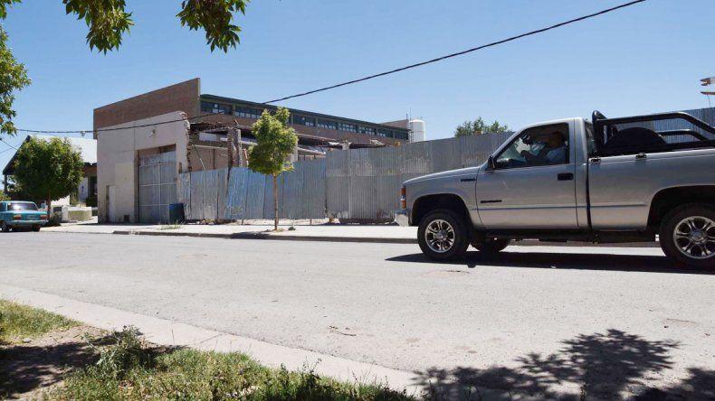 La calle Ortega y Gasset se ve todavía desolada.