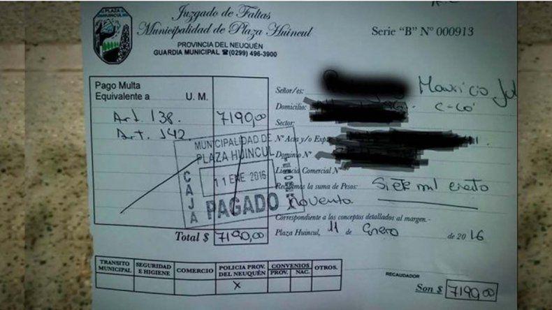 La multa en Plaza Huincul es tres veces más cara que en Neuquén.