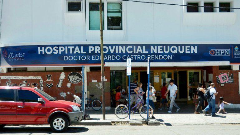 El joven baleado fue atendido en Cutral Co y después derivado al Castro Rendón.