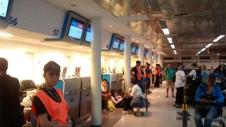 Dictaron la conciliación obligatoria en LAN y esperan que se normalicen los vuelos
