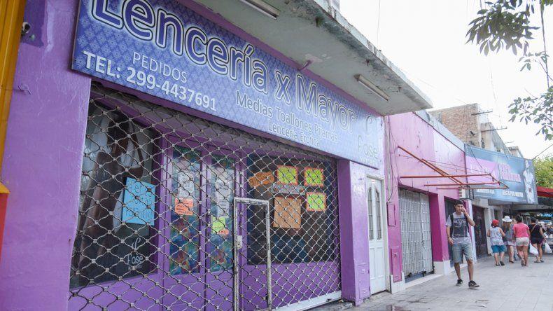 La distribuidora de calle Sarmiento al 600 fue el blanco elegido por los ladrones.
