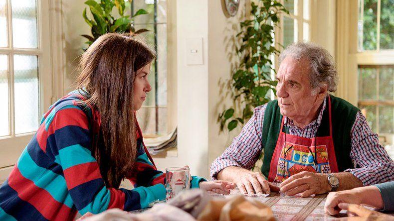 Hugo Arana será un abuelo que mantendrá una dura convivencia con su nieta
