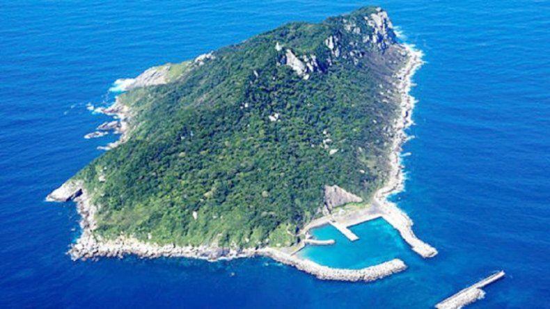 La remota Okinoshima es considerada uno de los sitios más sagrados del país. Ellas tienen prohibida la entrada.