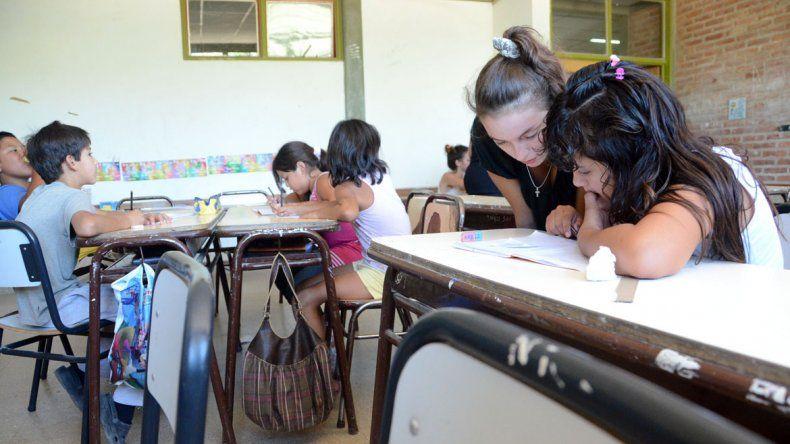 Impulsan un instituto para evaluar el desempeño de maestros y el rendimiento de alumnos