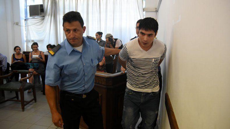 González fue condenado a 4 años y 8 meses de prisión.