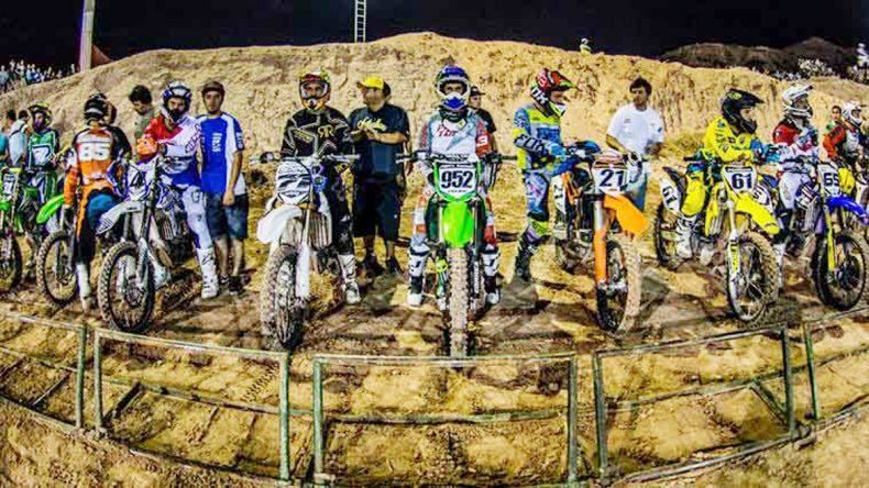 El Supercross de Verano es un evento que convoca a unas cinco mil personas por carrera. Comienza el próximo jueves en el circuito La Barda.