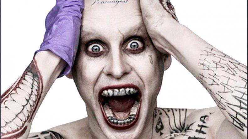 Agarrate. La caracterización del Joker de Jared Leto impresiona y estremece a cualquiera.