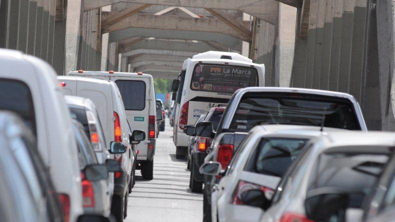 Mañana habrá complicaciones en el tránsito entre los puentes por una movilización
