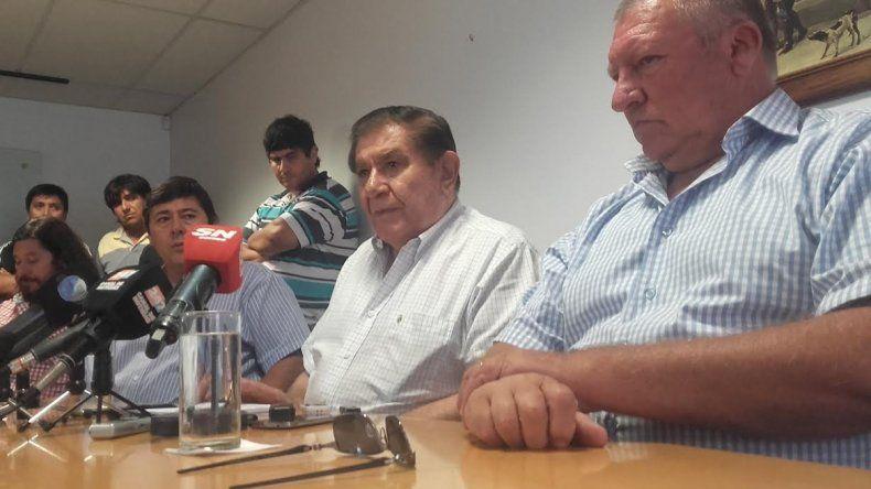 Guillermo Pereyra brindó este mediodía una conferencia de prensa en la sede del sindicato de calle Santa Cruz.