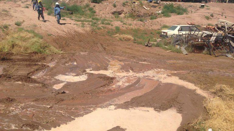 Culpan a una petrolera por la inundación de sus casas