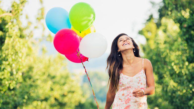Un estudio reciente concluyó que experiencias como los viajes sirven más a nuestra felicidad que lasinversiones materiales.