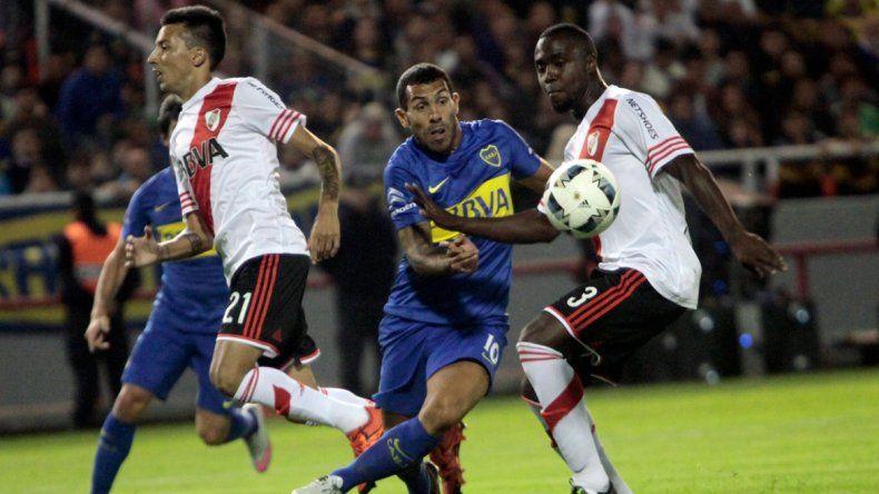 Carlitos no tuvo su mejor juego y mostró muy poco en el partido. Además
