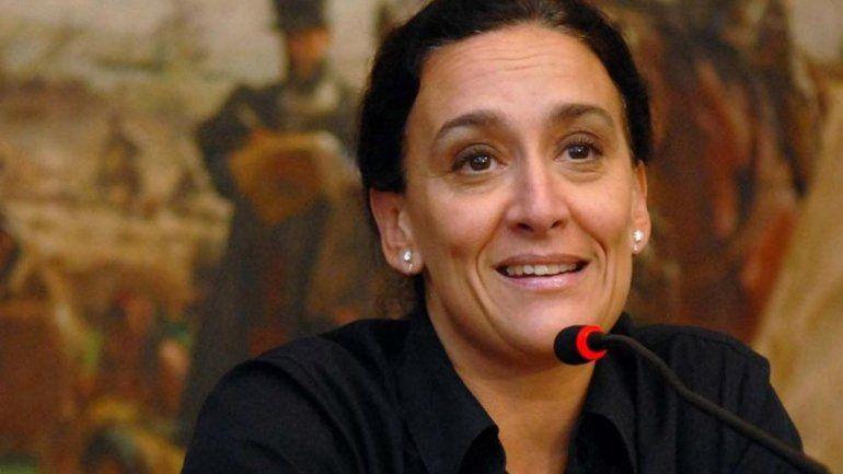Michetti viajó a Chile y será recibida por Bachelet