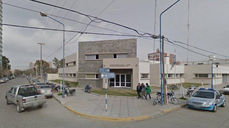 Robaron una moto en Neuquén para ir a comprar armas y los detuvieron en General Roca