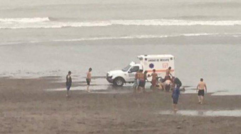 Seis heridos tras la caída de un rayo en la playa