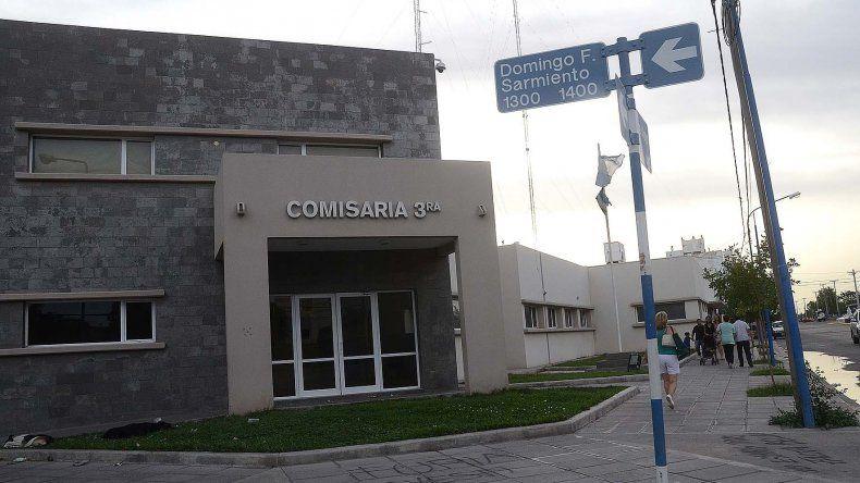 Los jóvenes neuquinos quedaron detenidos en la Comisaría 3ª de Roca.