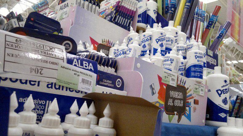 Los útiles escolares ya se muestran en las librerías y los supermercados de Neuquén