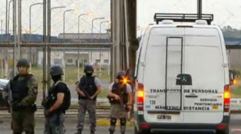 Ambos fueron sacados de Ezeiza bajo fuertes medidas de seguridad.