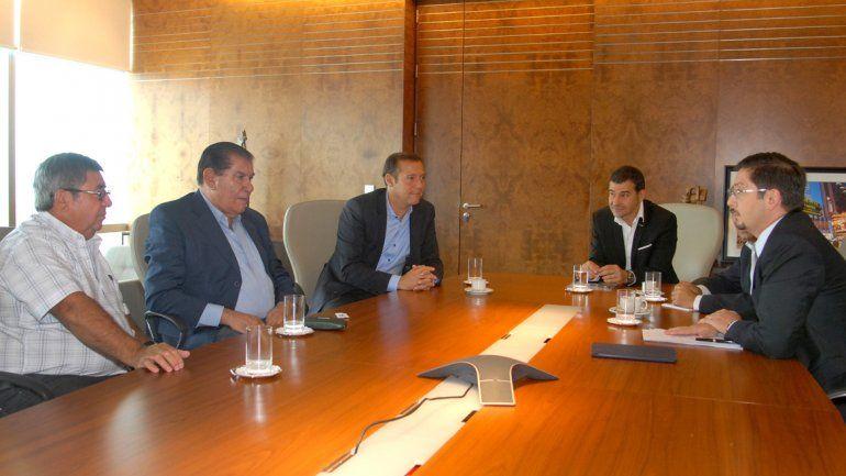 Gutiérrez y Pereyra pidieron por el precio del gas y reclamaron que no haya despidos en el petróleo