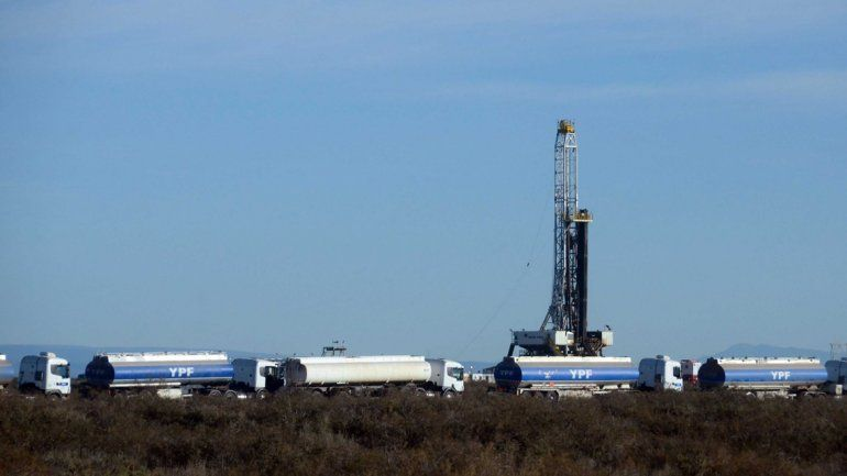 Las petroleras convocan a los gremios a retomar el diálogo y a que levanten el paro
