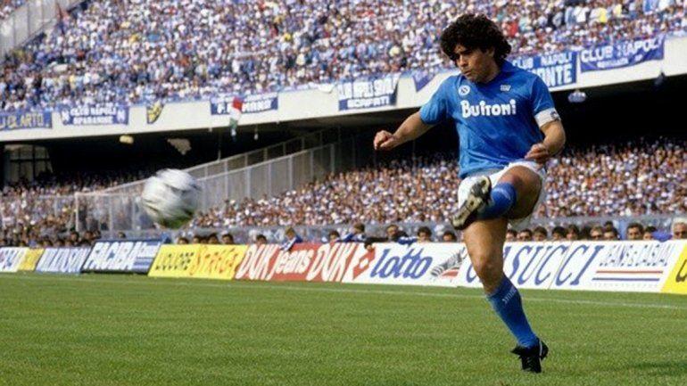 El Napoli pasó sus mejores años con la llegada de Maradona al ganar sus dos únicos scudettos: 1987 y 1990.