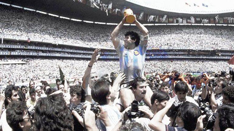El director británico cuenta con un archivo que contiene documentos exclusivos sobre la consagración de Diego en el Mundial 86.