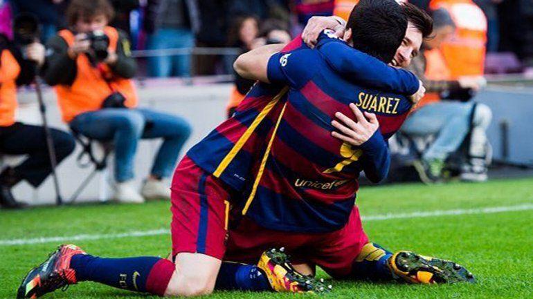 Con un gol de Messi, el Barça le ganó 2 a 1 al Atlético de Madrid y se cortó en la punta