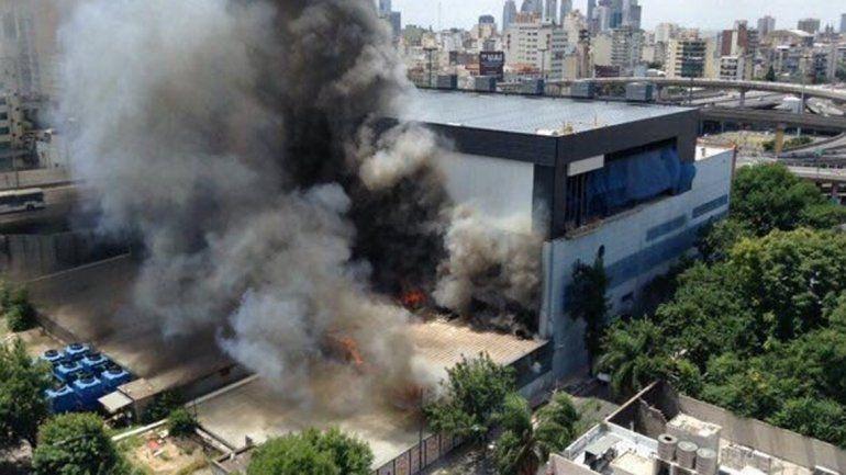 Por un incendio evacuaron los estudios de TN y Canal 13