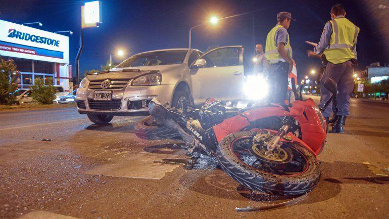 Motociclista herido en un choque múltiple en la Ruta 22