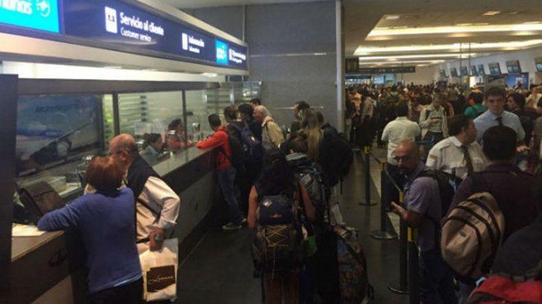 Por una protesta en Aeroparque, cancelaron vuelos a Neuquén