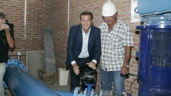 Omar Gutiérrez en la inauguración del nexo de Mari Menuco.