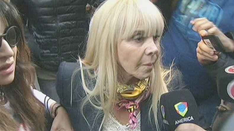El ex astro del fútbol manifestó que Claudia quiso hablar con él para arreglar la situación.