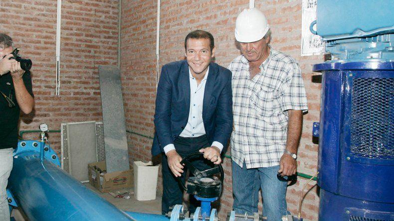 Todos contentos: se alivia la ciudad con más agua para los barrios.