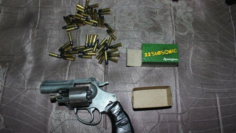 Secuestraron 25 plantas de marihuana y balanzas de precisión durante un operativo en Zapala