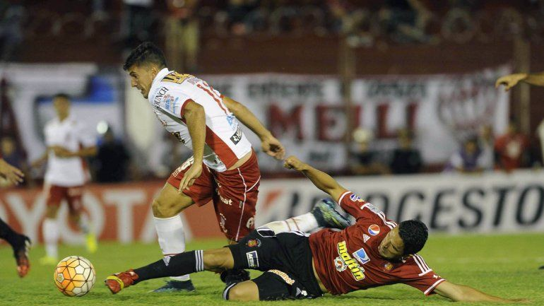 Copa Libertadores: Huracán le ganó a Caracas 1 a 0 en la ida