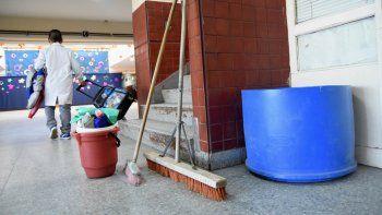 Con los porteros de paro, se complicaría la actividad en las escuelas.