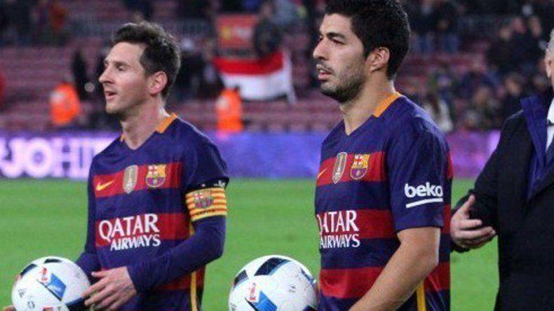 Barcelona aplasta a Valencia con póker de Suárez y hat-trick de Messi