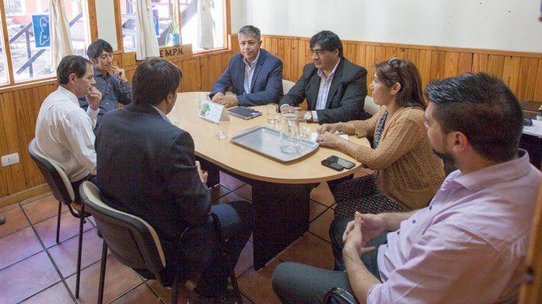 Figueroa recorre el interior para generar un intercambio legislativo