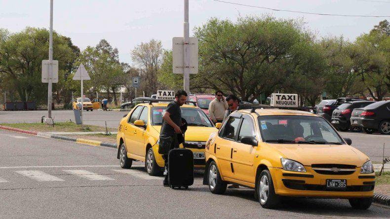 El traslado de los pasajeros está en el tapete en la ciudad. Históricamente hubo quejas por el trato que reciben quienes viajan. Buscan poner un límite y mejorar el servicio.