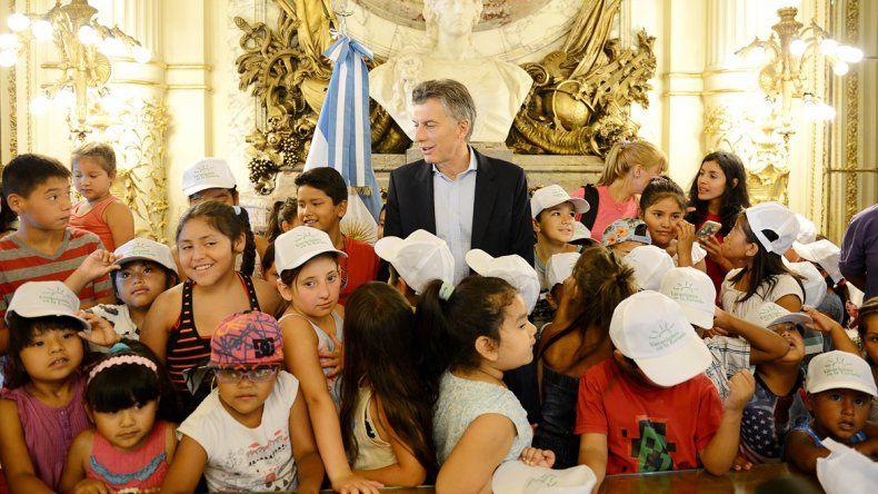 Alumnos del barrio Monserrat y de la Villa 31 de Retiro visitaron la Casa Rosada.