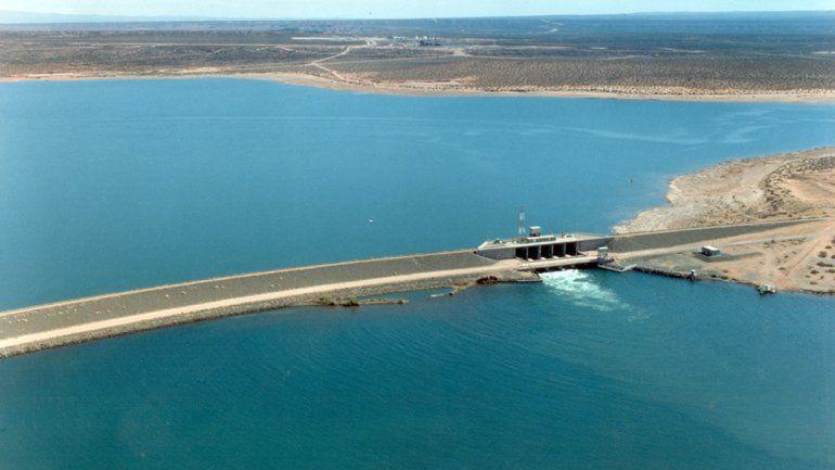 El Complejo hidroeléctrico Cerros Colorados, entre Barreales y Mari Menuco.