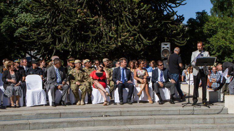 El gobernador presidió el acto por el aniversario de San Martín de los Andes.