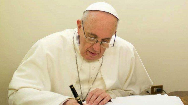 El nombre de Dios es Misericordia fue publicado en Argentina por la editorial Planeta.