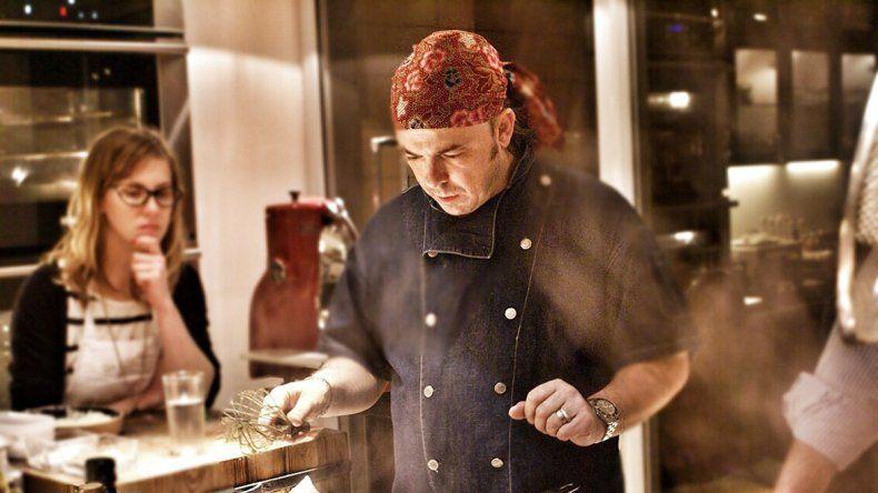 De Santis participará de la octava Fiesta del Trabajador Portuario y cocinará una gran paella.