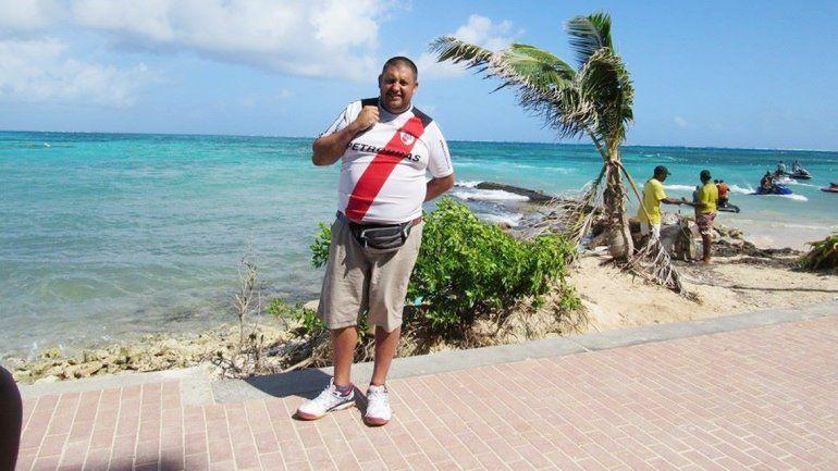 José Luis Cánovas se fue a Colombia a descansar. Se la pasó usando repelentes.