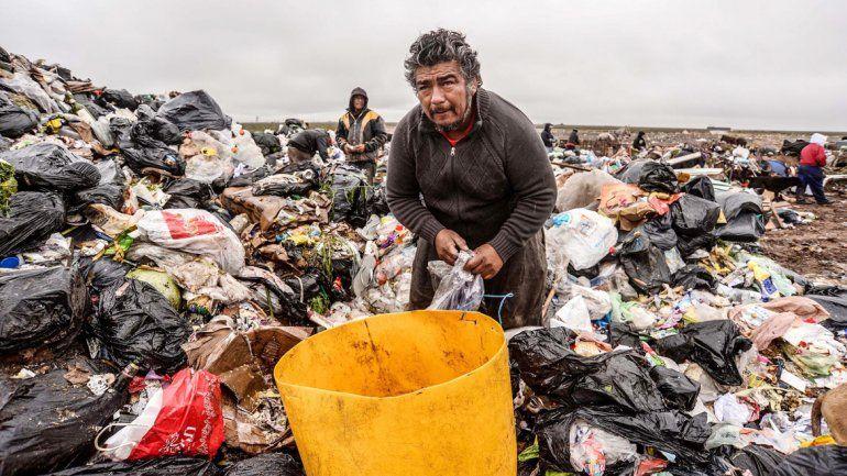 En Colonia Rural Nueva Esperanza esperan que los tengan en cuenta. El cirujeo y la venta de cobre es una salida para familias enteras.
