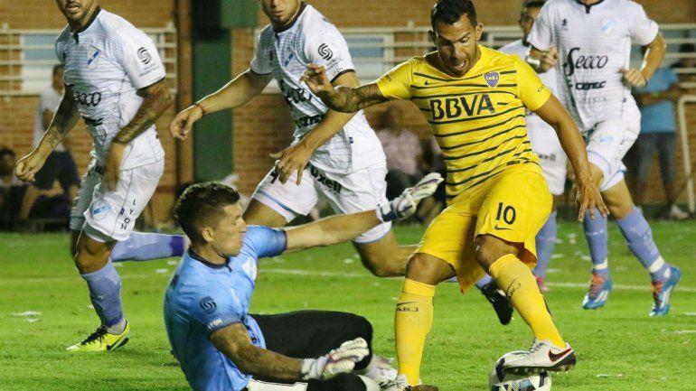 Carlitos no estuvo fino -como el resto del equipo-